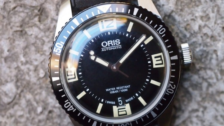 Replica with the Oris Divers Sixty-Five 42mm Black Dial Watch