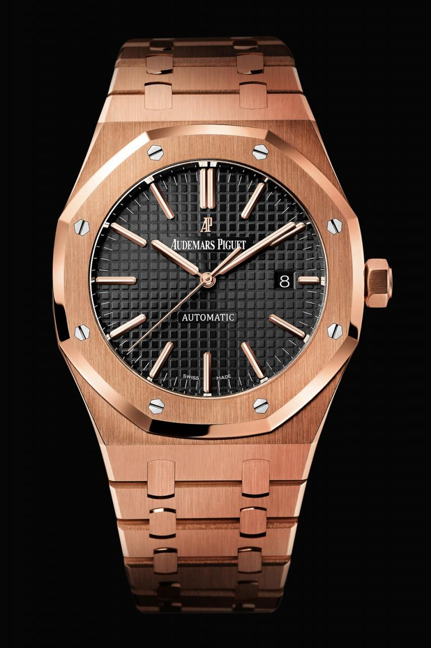 Hands-On The New Replica Patek Philippe Nautilus In Rose Gold Watches Reference 5711R