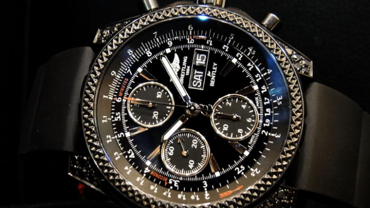 Black Dial Black Rubber Strap Breitling Bentley Replica Watch